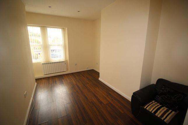 Thumbnail Flat to rent in Northgate, Halifax