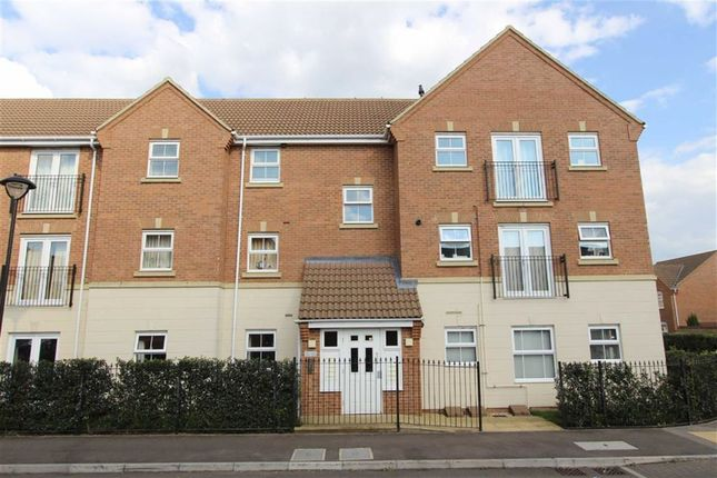 2 bed flat for sale in Drakes Avenue, Leighton Buzzard