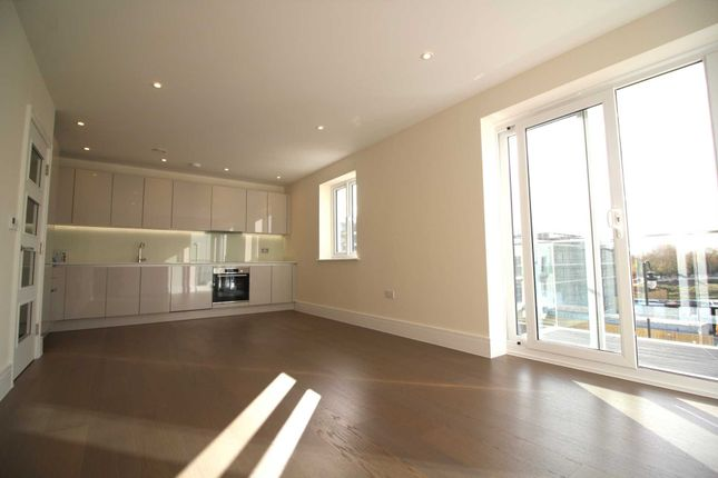 Thumbnail Flat for sale in St. Pauls Mews, Whitley Wood Lane, Reading