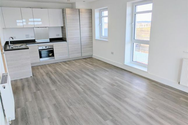 Thumbnail Flat to rent in Adams Close, Poole