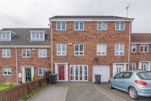 Thumbnail Terraced house for sale in Berry Edge Road, Consett