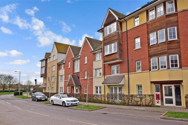 Thumbnail Flat for sale in Churchill Avenue, Basildon, Essex