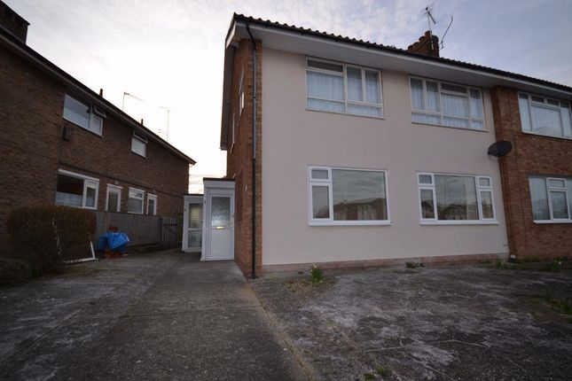 Thumbnail Maisonette to rent in Albany Chase, Holland Road, Clacton-On-Sea