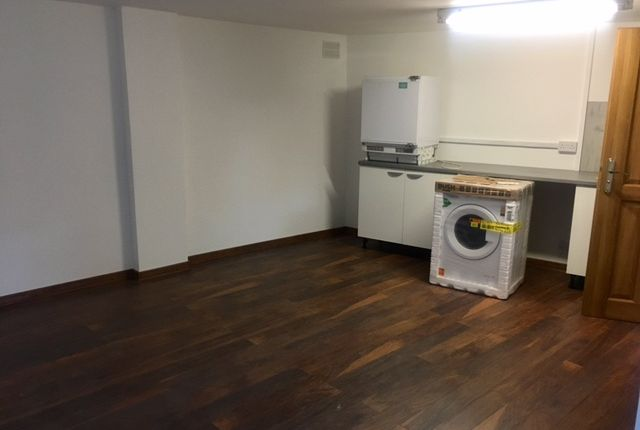 Studio to rent in London Road, Isleworth / Osterley