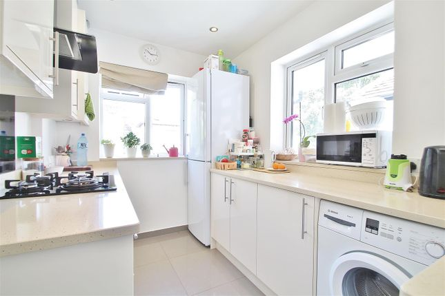 Thumbnail Maisonette to rent in St. Johns Road, Isleworth