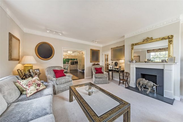 3 bed flat for sale in Rivermead Court, London SW6