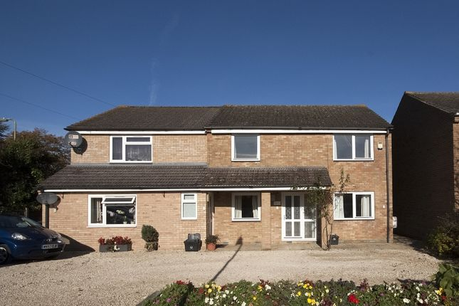 Thumbnail Flat to rent in Spareacre Lane, Eynsham, Witney