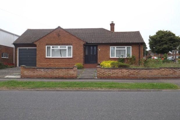 Thumbnail Bungalow to rent in Queens Drive, Bedford