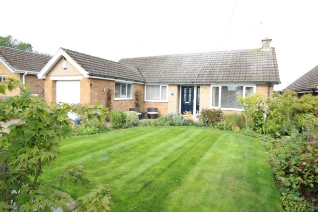 Thumbnail Bungalow for sale in Highfield Grove, Carlton-In-Lindrick, Worksop