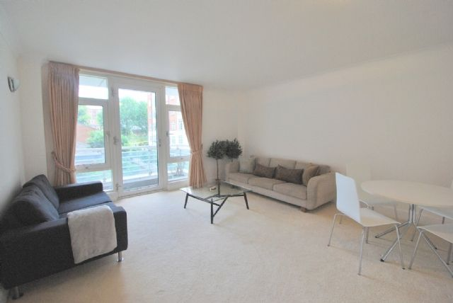 1 bed flat to rent in Abbey Road, St John's Wood, London
