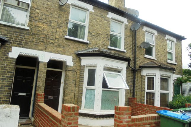 4 bed terraced house to rent in Farmdale Road, Greenwich