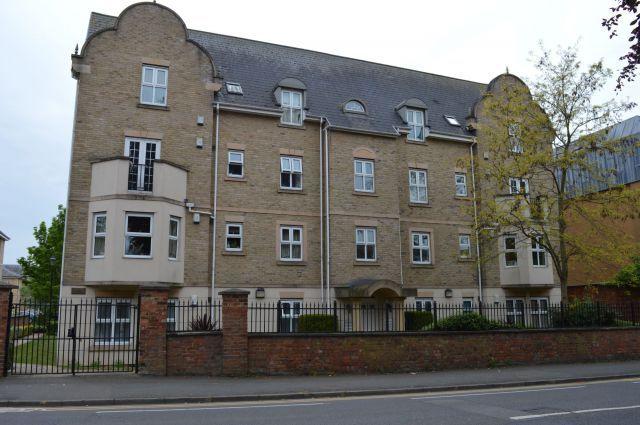 Thumbnail Flat to rent in Billing Road, Northampton, Northampton