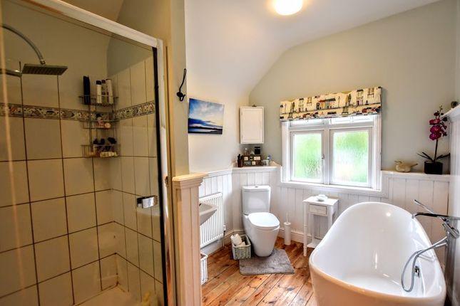 Family Bathroom of Leon Avenue, Bletchley, Milton Keynes MK2
