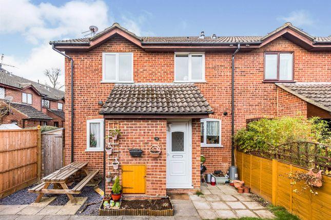 2 bed property for sale in Sorrells Close, Chineham, Basingstoke RG24