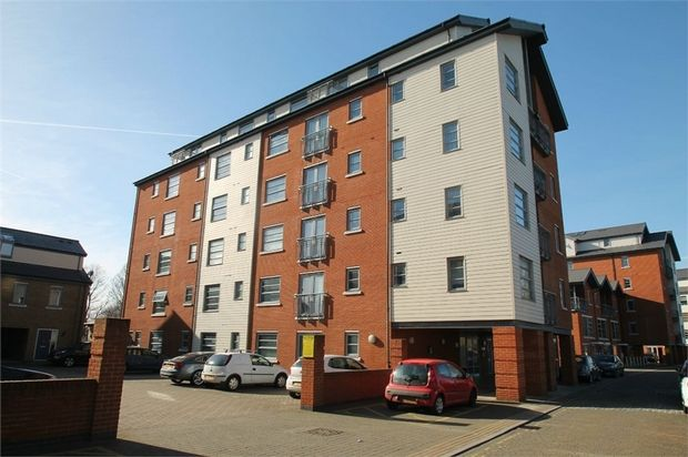 Thumbnail Flat for sale in 62 Rotary Way, Colchester, Essex