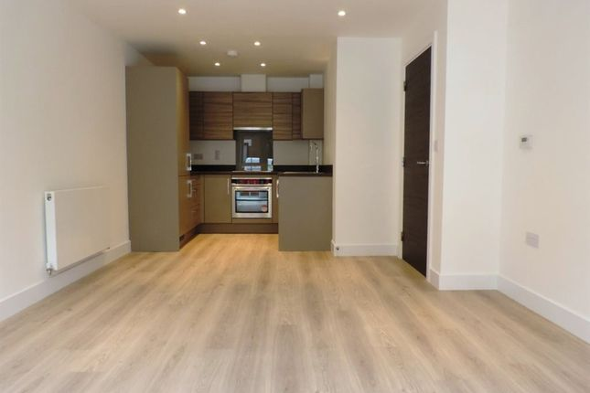 Thumbnail Flat to rent in Woolsack Way, Godalming