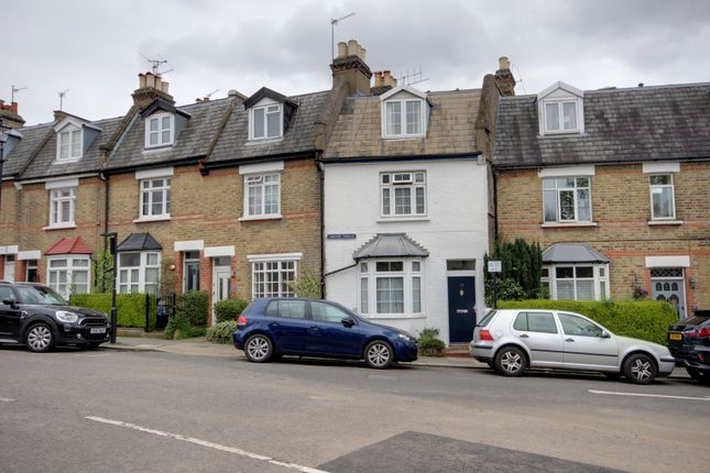 Thumbnail Cottage for sale in Compton Terrace, Winchmore Hill