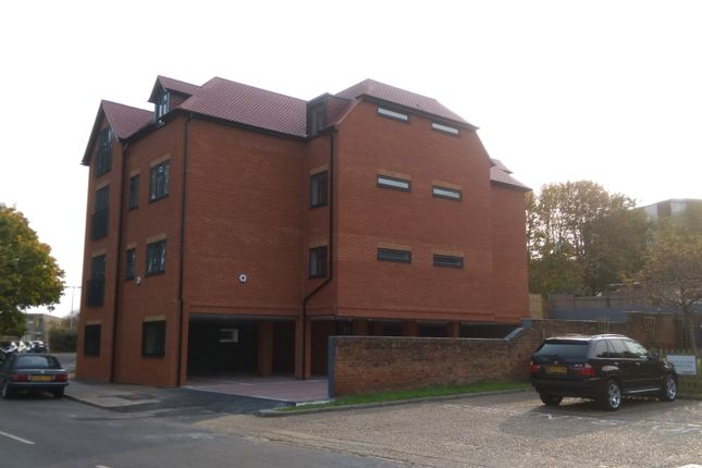 Thumbnail Flat for sale in Alexandra Road, Aldershot