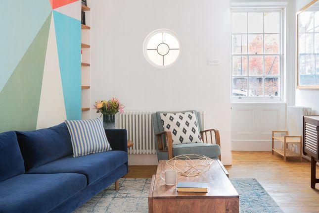 Thumbnail Triplex to rent in Camberwell Grove, London