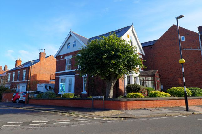 Thumbnail Detached house for sale in Avondale Road, Chesterfield