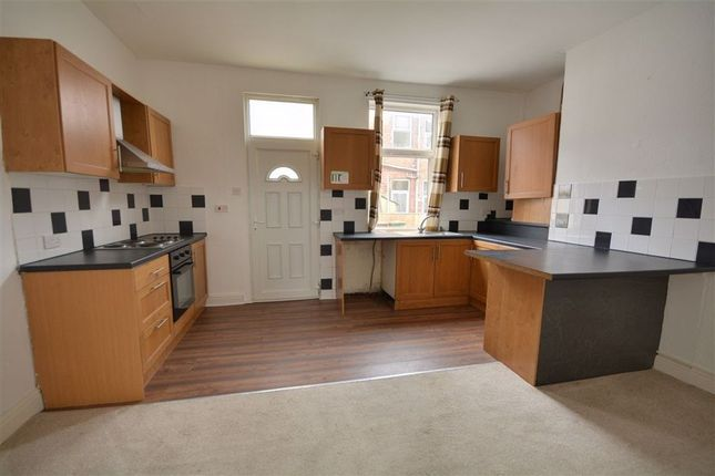 2 bed terraced house to rent in Hartley Street, Featherstone WF7