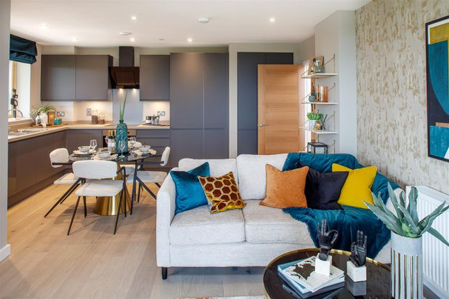 2 bed flat for sale in Copley Close, Hanwell W7
