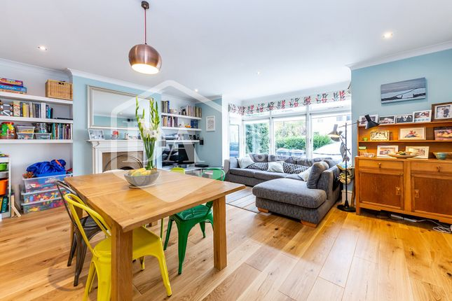 Thumbnail Flat for sale in The Avenue, Hornsey