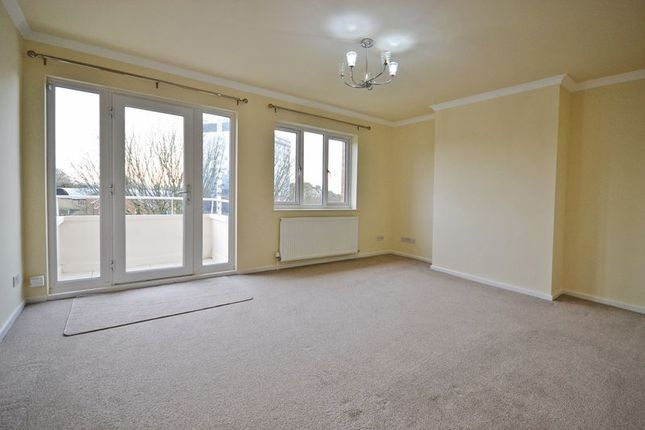 2 bed flat to rent in Shakespeare Crescent, Newport