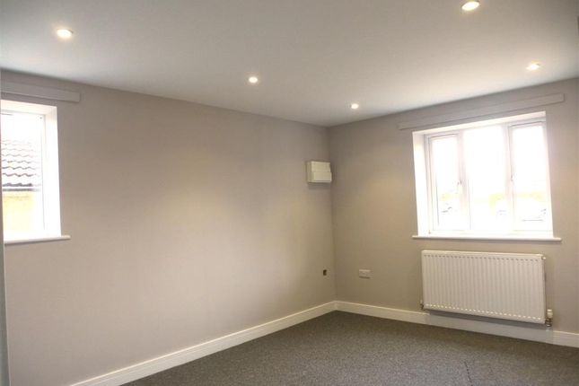 Living Room of Upwell Road, March PE15