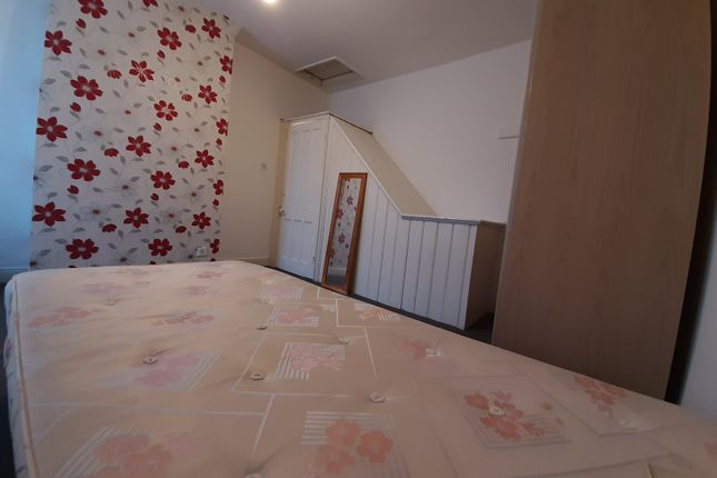 Thumbnail Shared accommodation to rent in Smart Street, Longsight, Manchester