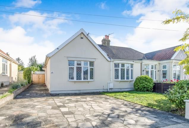 Thumbnail Bungalow for sale in Harold Avenue, Belvedere, Kent, UK