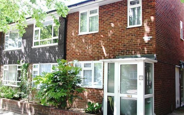 Thumbnail Flat for sale in Grosvenor Court, Grosvenor Road, London