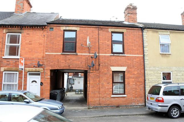 Thumbnail Flat for sale in Sidney Street, Grantham