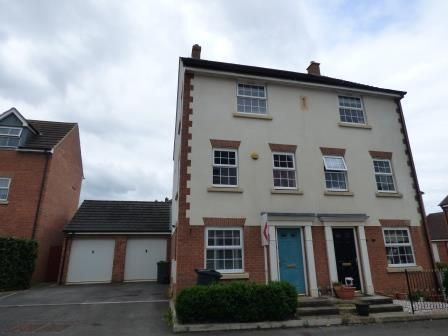 Thumbnail Property to rent in Mona Avenue Kingsway, Quedgeley, Gloucester