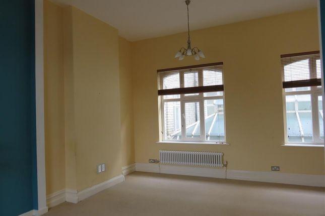 Living Room of Windsor Lofts, Penarth CF64