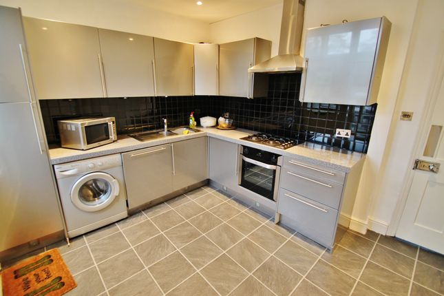 Thumbnail Flat to rent in 3 The Broadway, Woodford Green