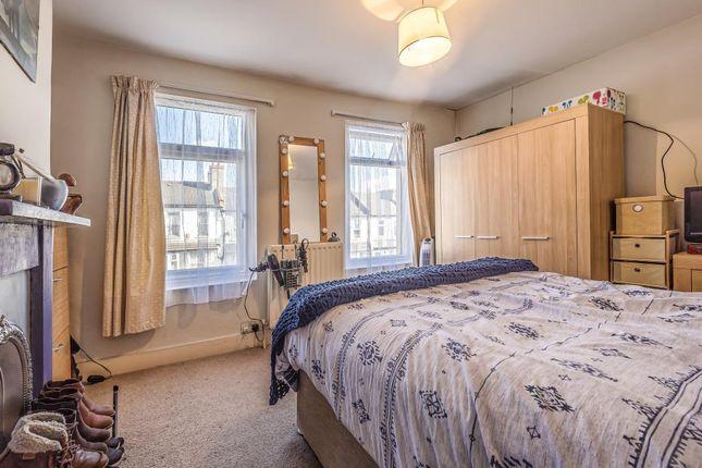 Bedroom of Harlesden, London NW10,