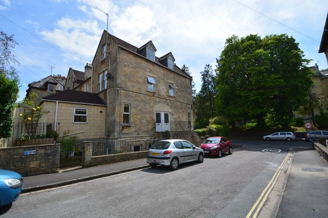 2 bed maisonette to rent in Prior Park Road, Widcombe, Bath BA2