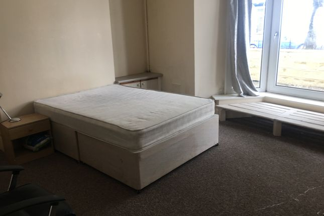 Thumbnail Shared accommodation to rent in St Helens Avenue, Swansea
