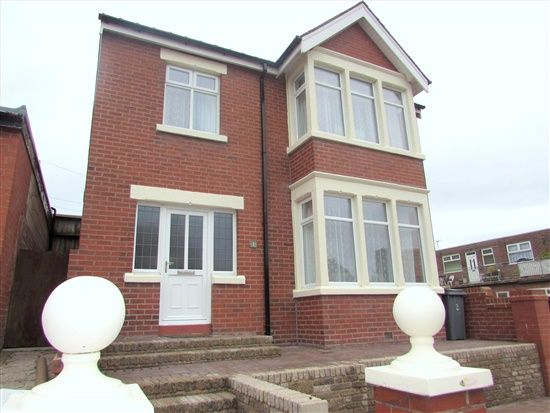 Thumbnail Property to rent in York Road, Blackpool