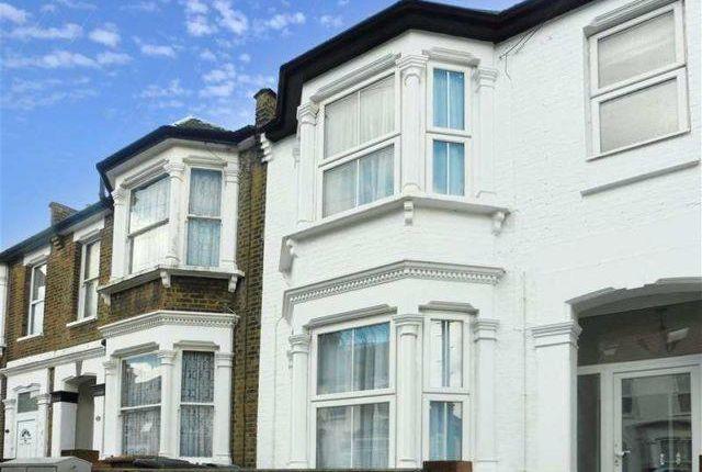 Thumbnail Flat to rent in Grove Green Road, Leyton, Leytonstone, London