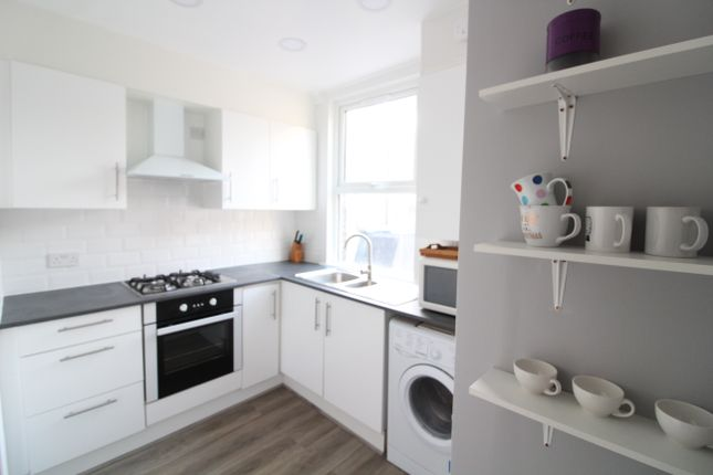 Thumbnail Maisonette to rent in Seven Sisters Road, Finsbury Park