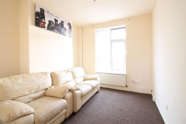 Thumbnail Flat to rent in Westmount Centre, Uxbridge Road, Hayes