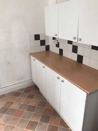 Thumbnail Terraced house to rent in Harcourt Street, Hanley