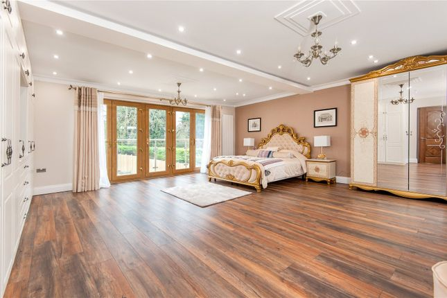 Picture No. 50 of Downs Way, Tadworth, Surrey KT20