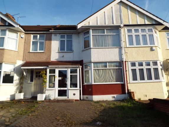 Thumbnail Terraced house for sale in Woodford Green, Essex