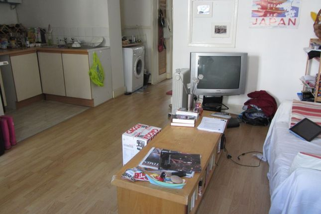 1 bed flat to rent in Bethnal Green Road, Shoreditch