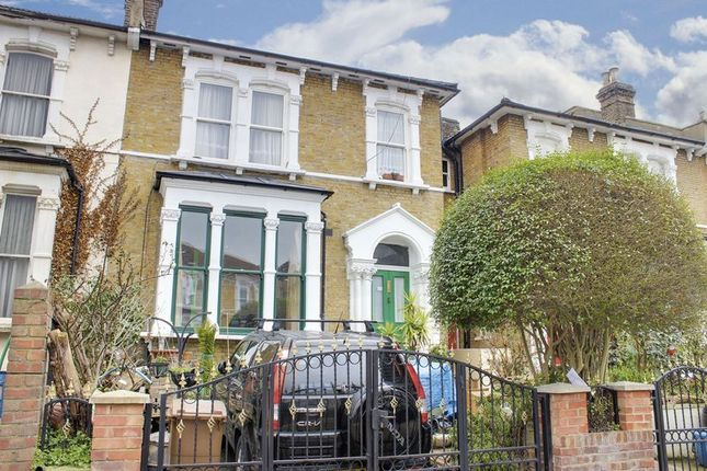 2 bed property for sale in Evering Road, London