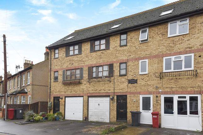 slough  berkshire sl1  4 bedroom town house for sale 3 bedroom house for rent in cippenham slough 3 bedroom house for rent in cippenham slough