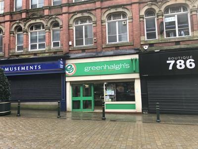 Thumbnail Retail premises to let in 16 Curzon Street, Oldham, Lancashire